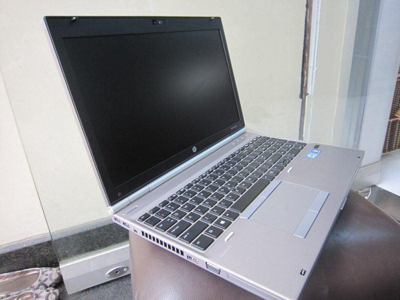 HP EliteBook 8560p (2)