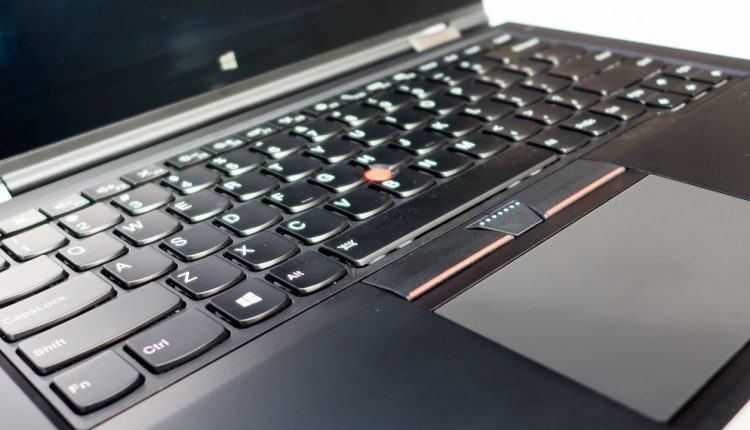 Các laptop có ổ cứng SSD theo máy